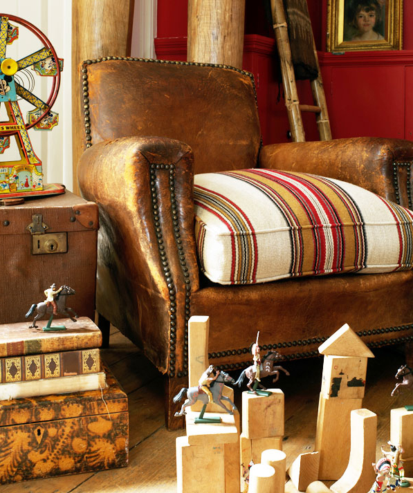 Well, the set up looks like a pretty serious trip-hazard, but I love the  leather chair with the addition of the upholstery fabric. - Heir And Space: A Vintage Leather Chair