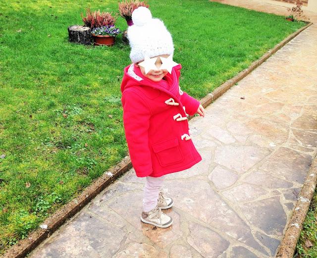 Look little girl Petit Bateau : manteau rouge en soldes