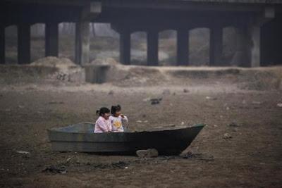desigualdade social Pobreza extrema  infância jogadas no lixo