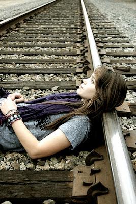 poetry, poem, sad poetry, poetry of broken heart, dark poetry, childhood poetry, don't want to grow up, girl look the sky