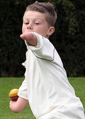 Kearan Tongue-Gibbs pemain kriket tanpa tangan