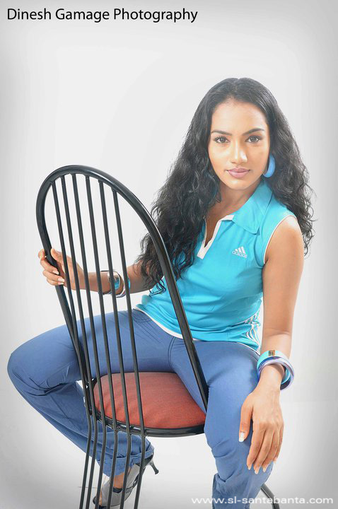Chathurika Peiris -Sexy Tight Blue Jeans Fashions