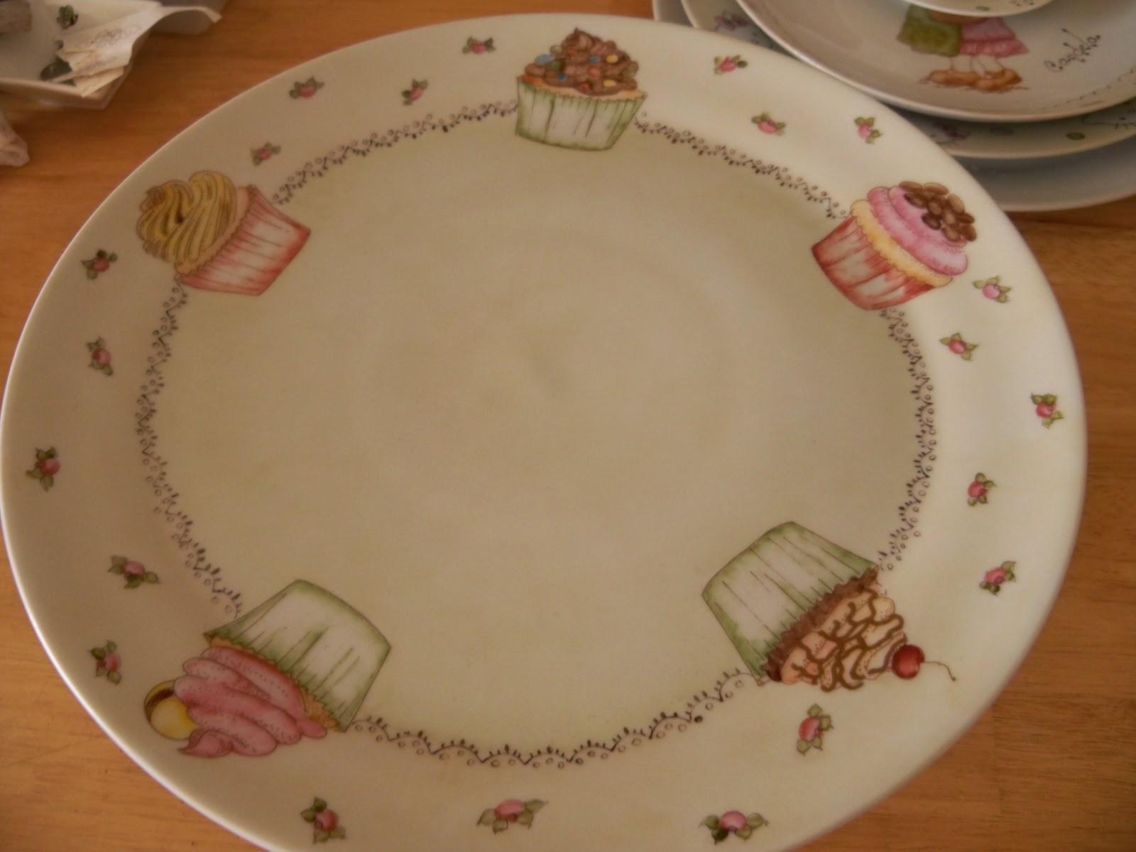 Duendes de luz tela madera porcelana palas y platos for Platos porcelana