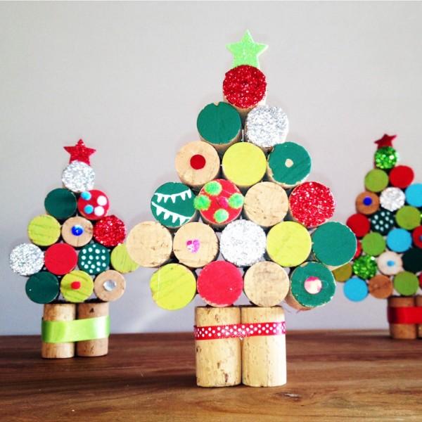 Arboles de navidad hechos con corcho curiosas ideas - Decoracion navidad infantil manualidades ...