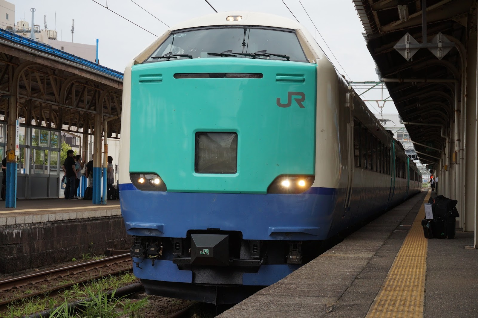 直江津駅停車中の485系3000番台