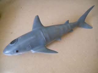 submarino en forma de tiburón