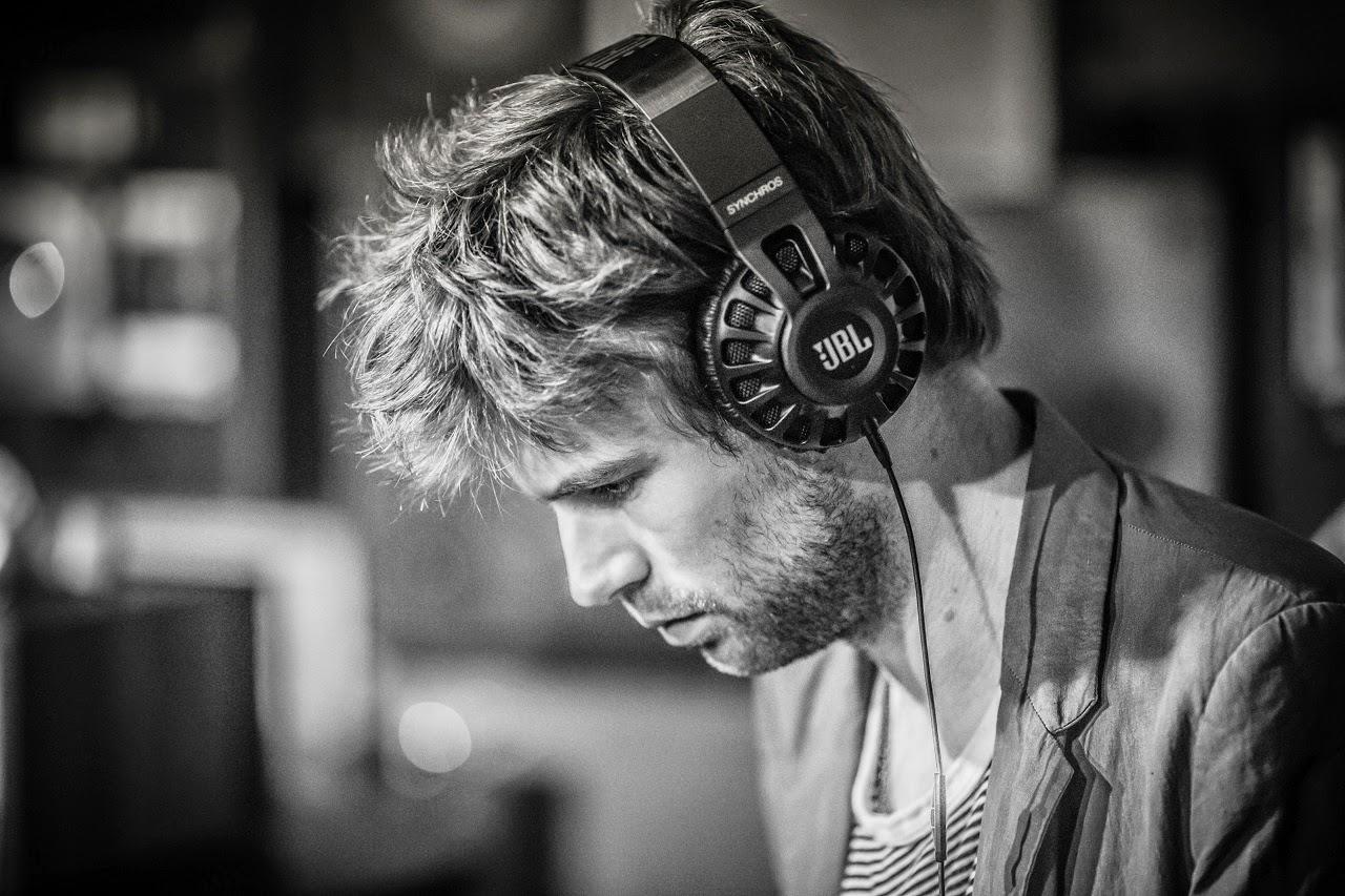 Oír Música Mientras Trabajas Aumentaría Tu Productividad