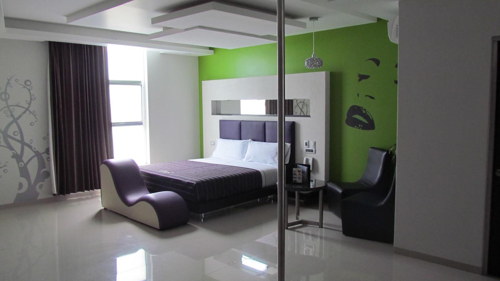 Moteleros de guadalajara motel dreams actualizacion for Cuarto para las 8