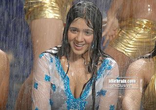 desi hot sexy boobs taking bath in rain