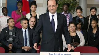 Hollande à la rencontre des habitants des quartiers difficiles dans les Yvelines