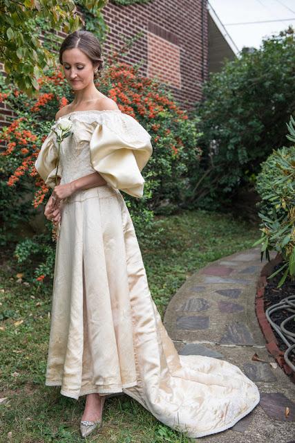 Noiva será a 11ª mulher em sua família a vestir um Vestido de Noiva com 120 anos