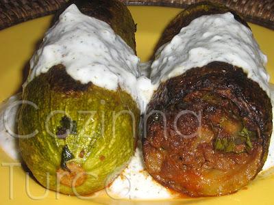 Courgettes Recheadas com Carne e Grão-de-Bico (Şıhıl Mahşi)