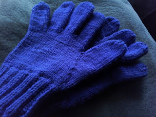 Free Knitting Patterns Tipless Gloves : They Are All of Me: Easily Adjustable Knitted Glove Pattern