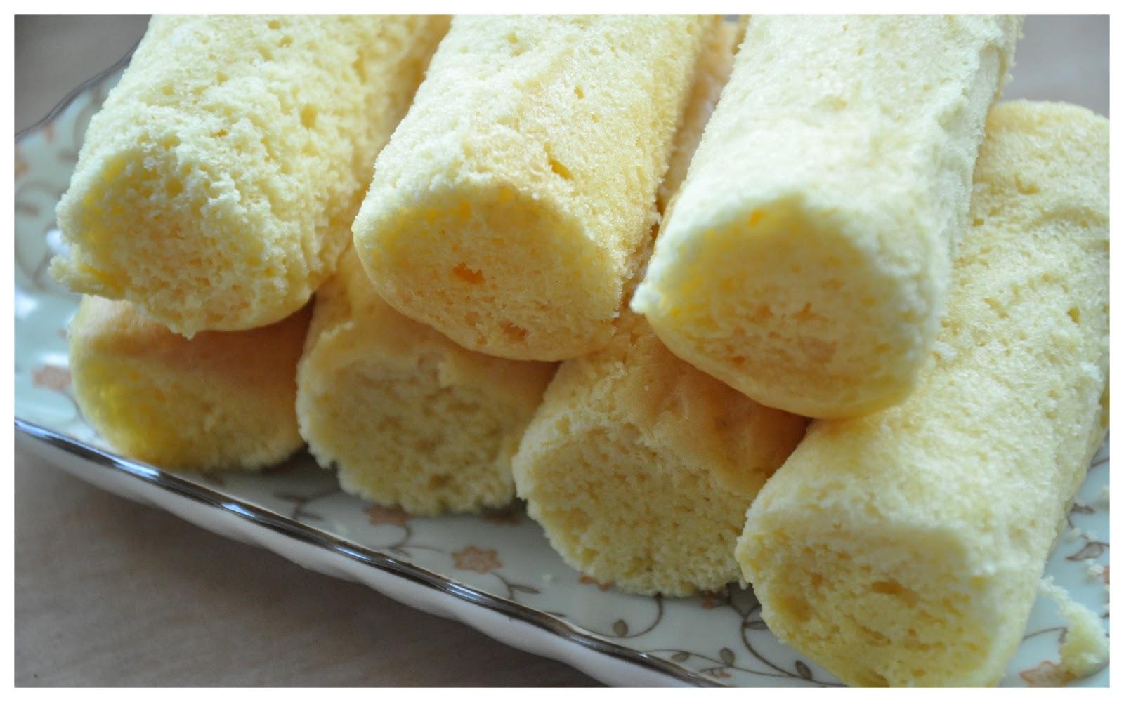 Jyotsna's World: Homemade Twinkies!