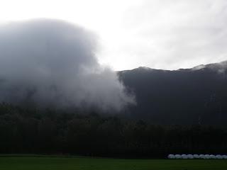 dåligt väder, låga moln