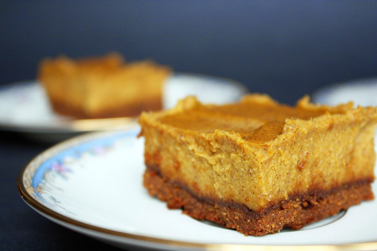 gluten-free vegan pumpkin pie cheesecake bars with gingerbread crust