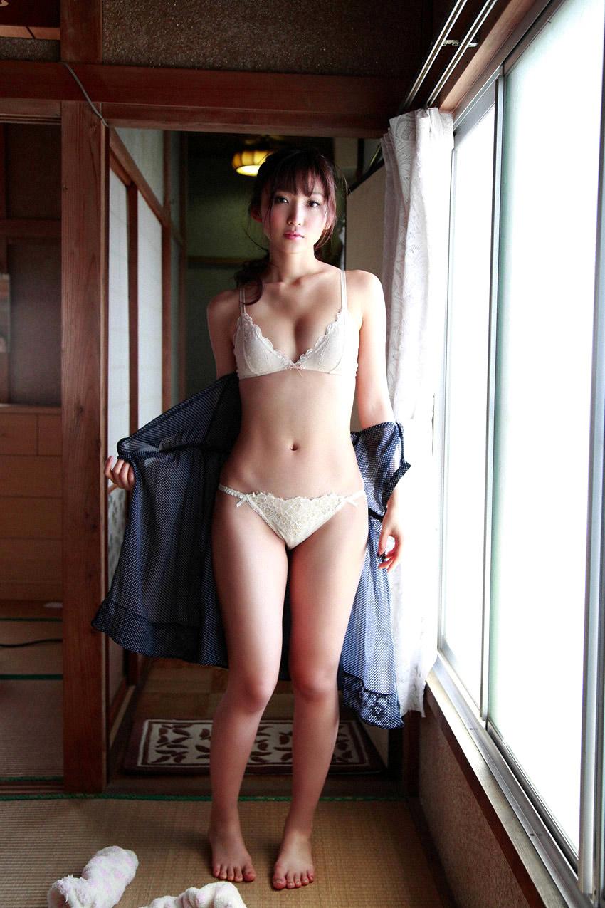 risa yoshiki sexy bikini photos 05