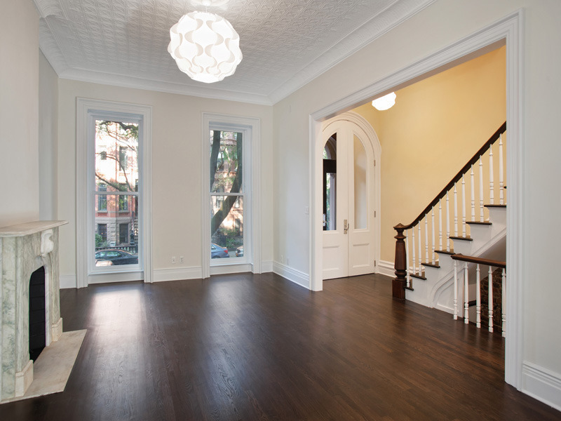 Old world gothic and victorian interior design victorian gothic interior style for Interior designers in brooklyn ny