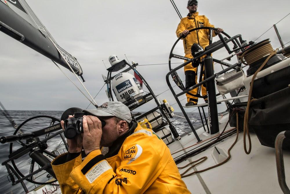 Ian Walker et ses hommes en tête de la Volvo Ocean Race.