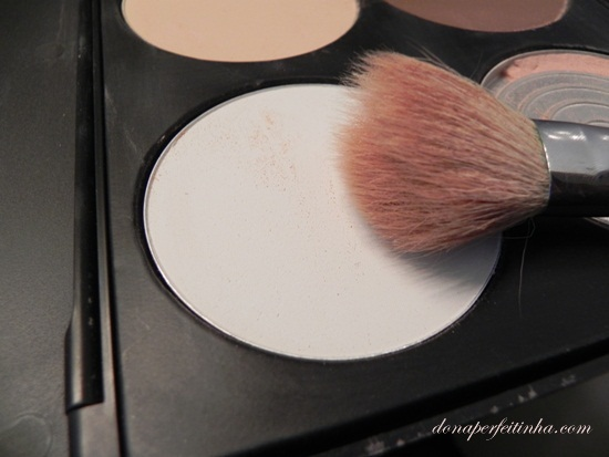Maquiagem com iluminador