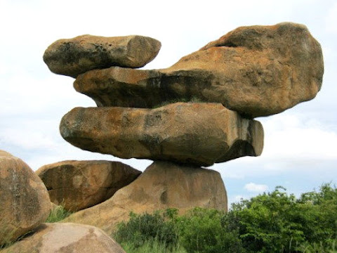 Chiremba Balancing Rocks, Keseimbangan Batu Alami