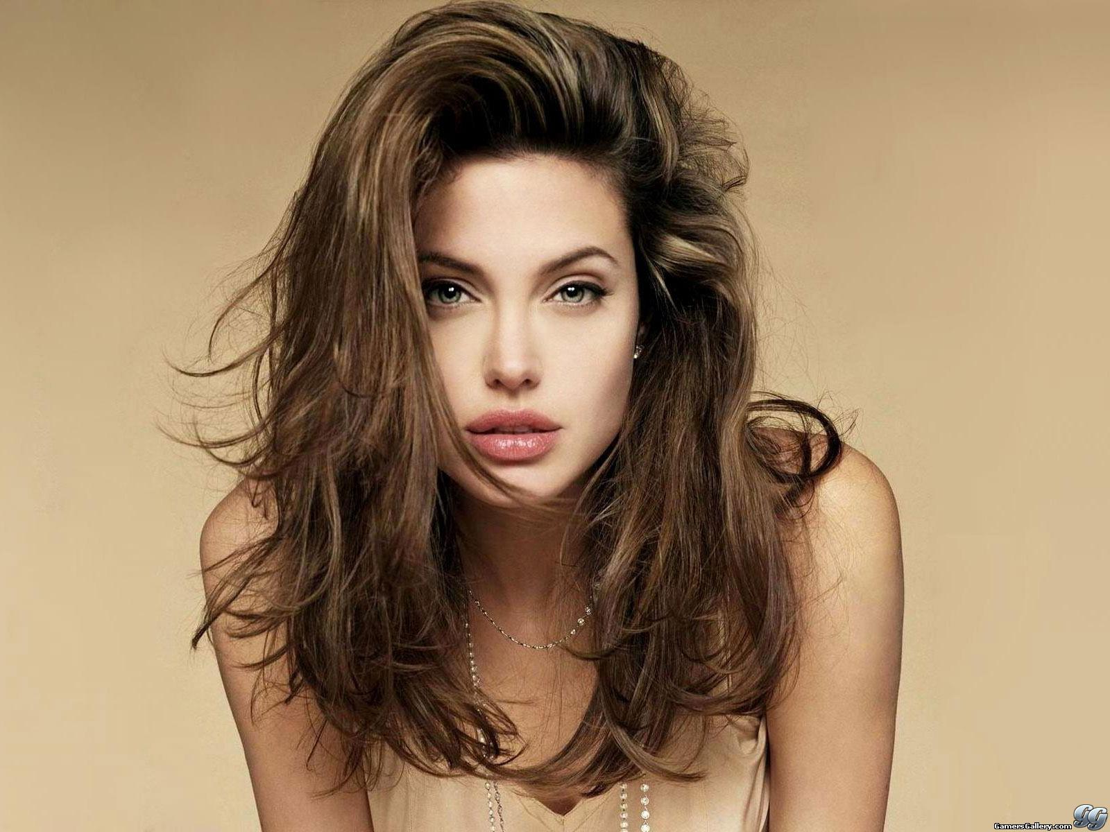 Angelina jolie resimleri