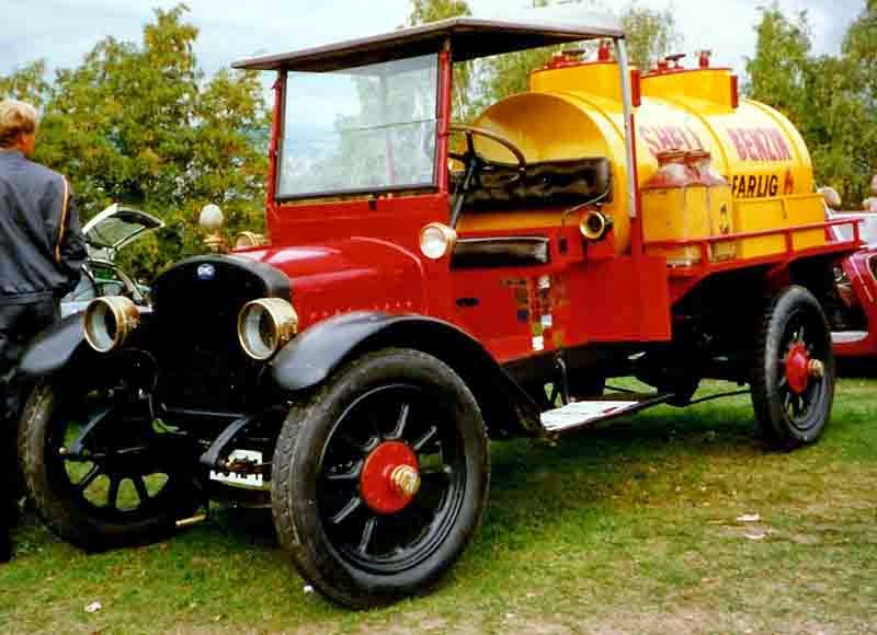 1919 GMC Tanker