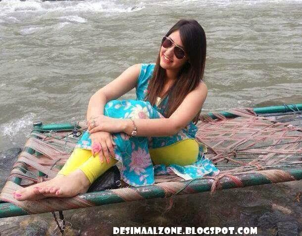 Hot Muree Girls At River Side Who Wanna Join For Dinner With Her