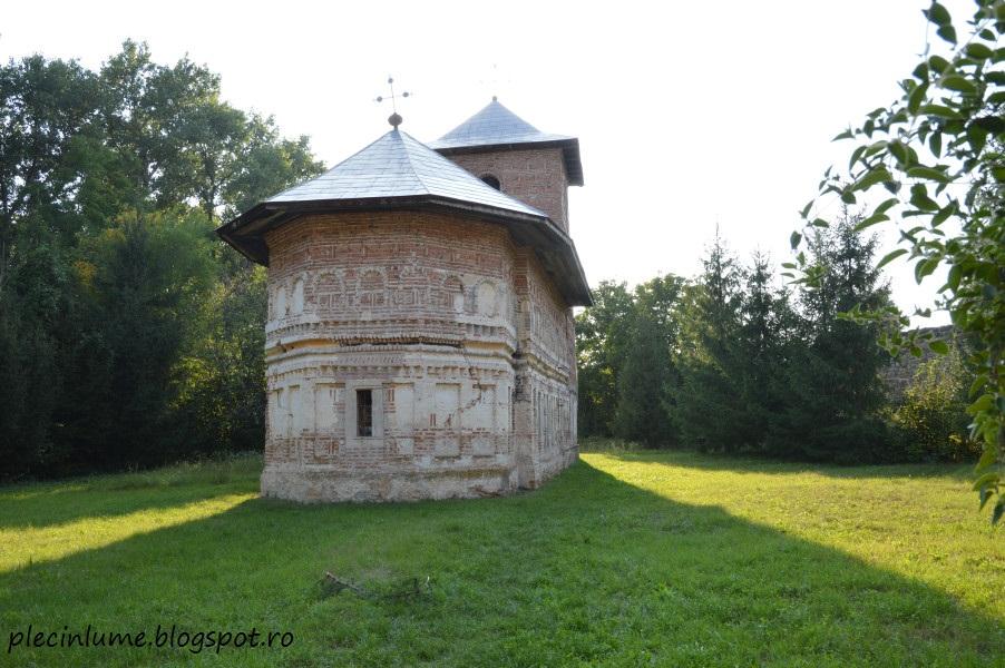 Biserica-cetate Bradu din Tisau, jud. Buzau