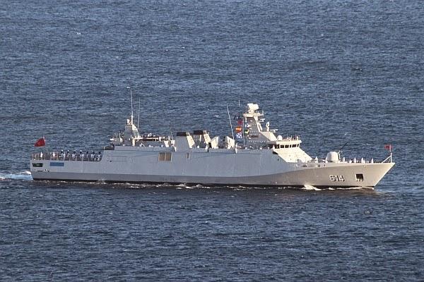 La Marine Royale à la revue navale de Toulon - 15 août 2014 IMG_4908