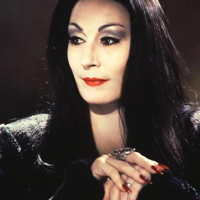 Mortiça Adams, personagem vampira mais marcante, excelente para inspiração de fantasia de halloween