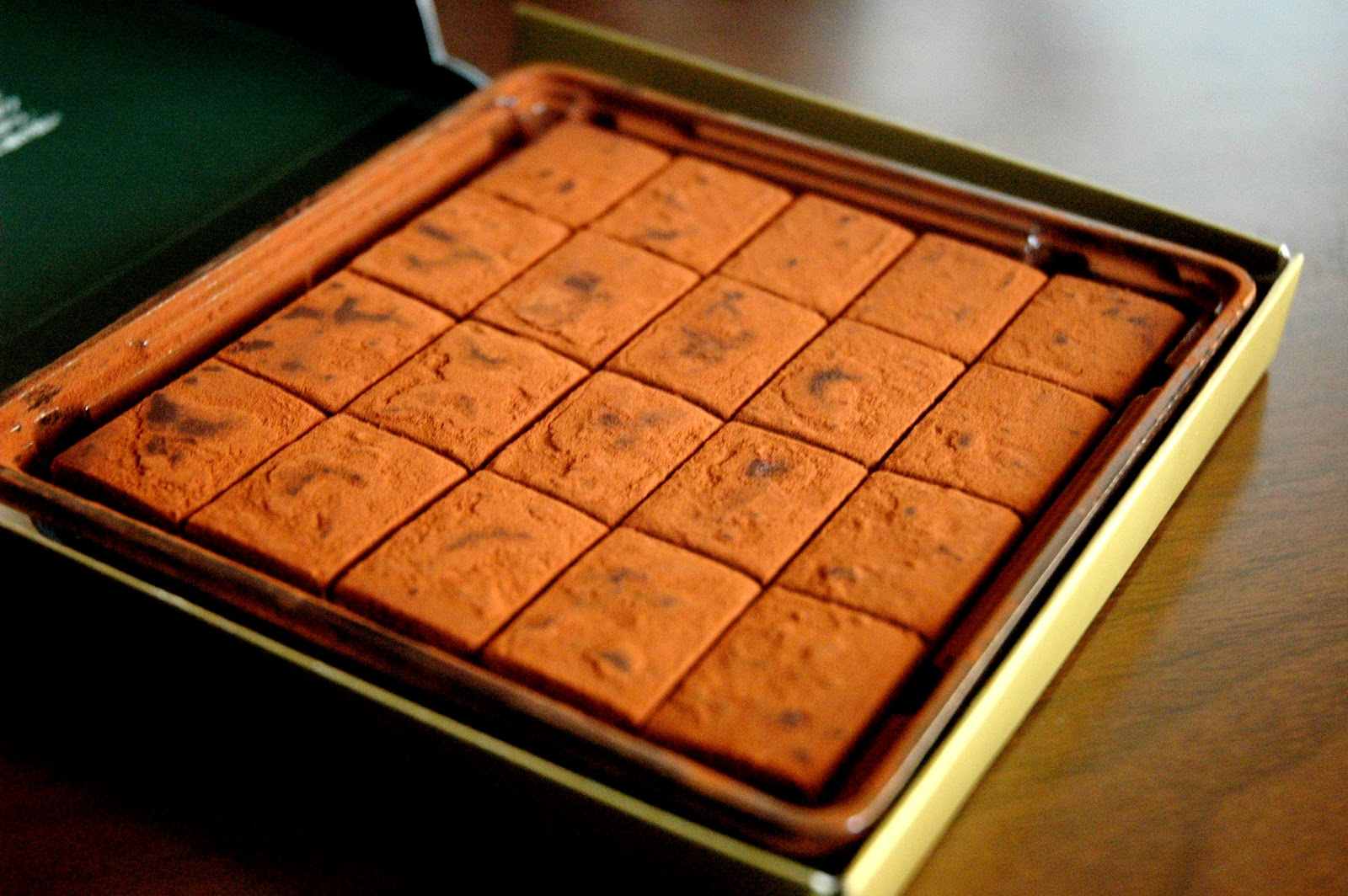 DUDE FOR FOOD: Royce' Chocolate's Nama Chocolate