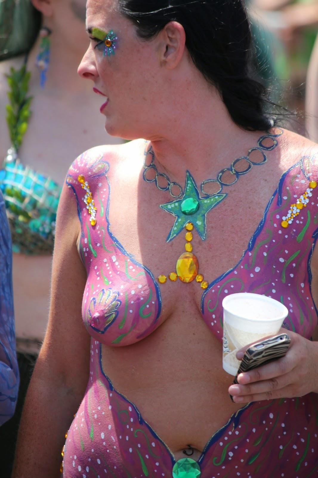 hermosos diseños de pintura corporal sobre el cuerpo de chicas