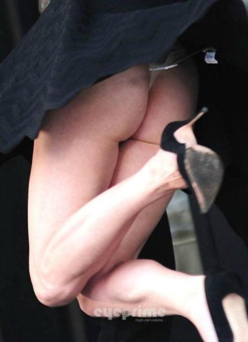 Milla Jovovich Tits