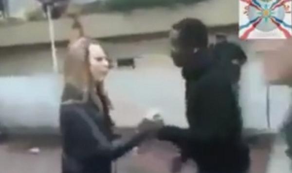 «Πρόσφυγες» κλέβουν ποδήλατο και κακοποιούν Ολλανδέζα(βιντεο)Επομένως αφήστε τους «ευπαθείς» να παίξουν…