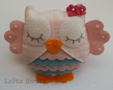 Corujinha em feltro e tecido nas cores rosa e azul para aplicação em guirlandas