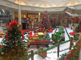 Decoração natalina do Cariri Garden Shopping.