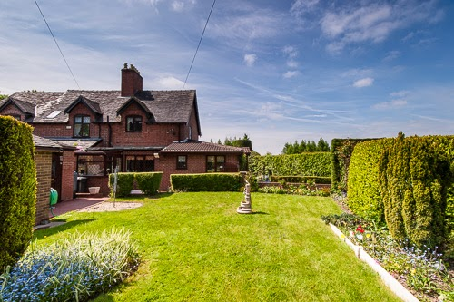 Cottage and Cattery for Sale Leicestershire