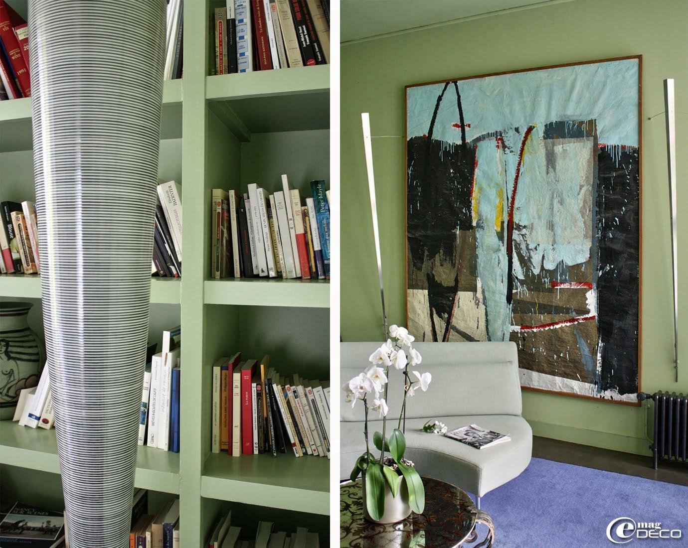 Toile de Tony Soulié exposée dans le salon-bibliothèque de La Maison Bord'Eaux