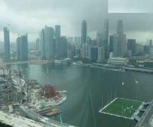 بالصور: ملعب معلق الماء سنغافورة