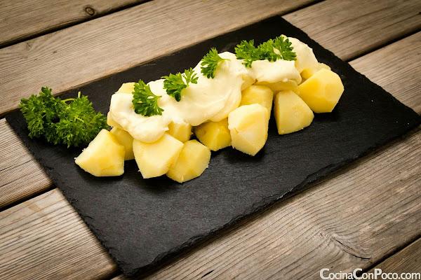 Patatas alioli caseras - Receta facil