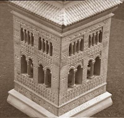 Quinto juego de ajedrez, campanario de la catedral de Teruel, torre blanca