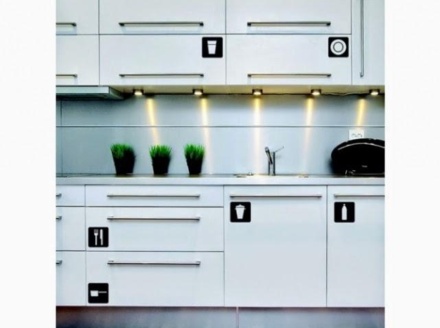 des stickers qui vous aident à arranger vos objets cuisine