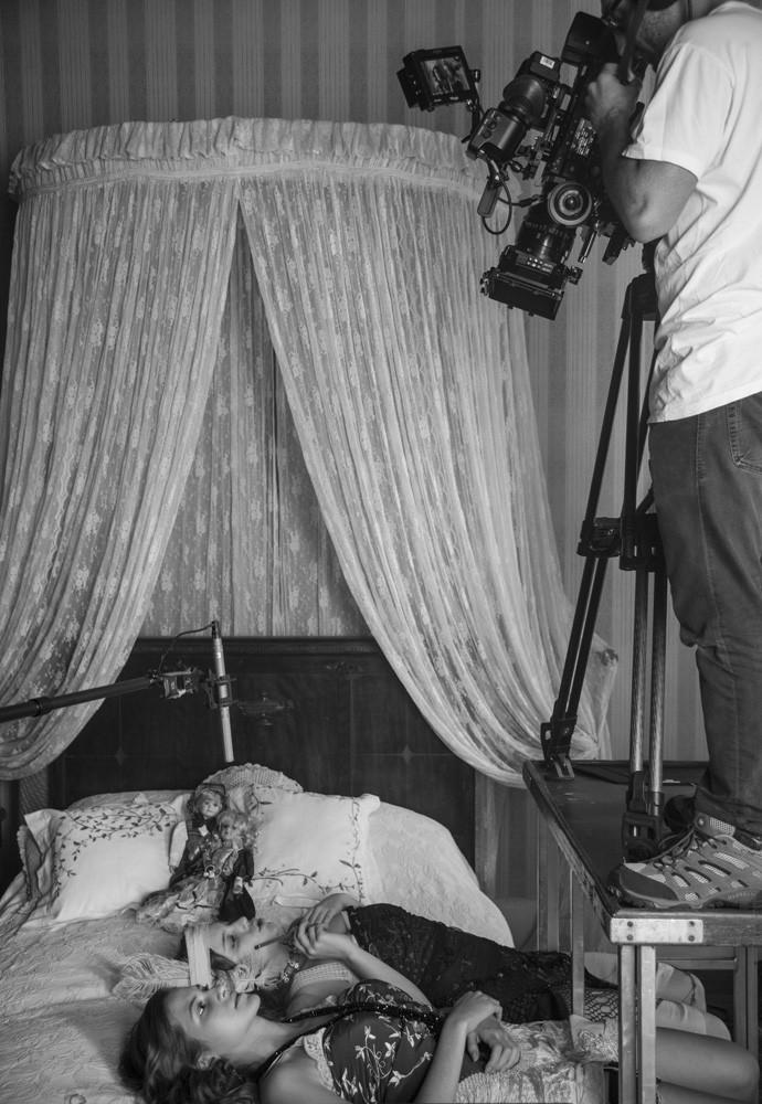 Hanna e Alice nos bastidores das gravações de 'Ligações Perigosas'