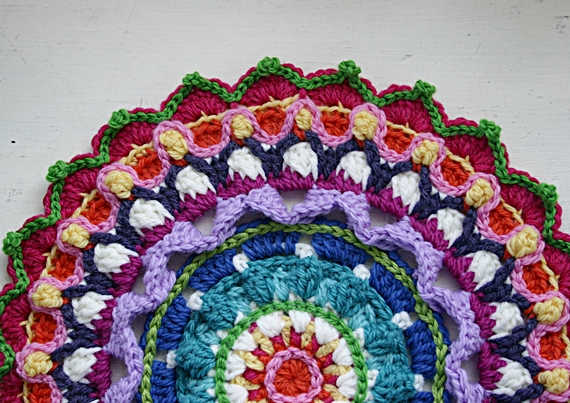 Crochet Patterns Mandala : ... Button - Colorful Crochet Patterns: ::Mandala Crochet Pattern Ta-Dah