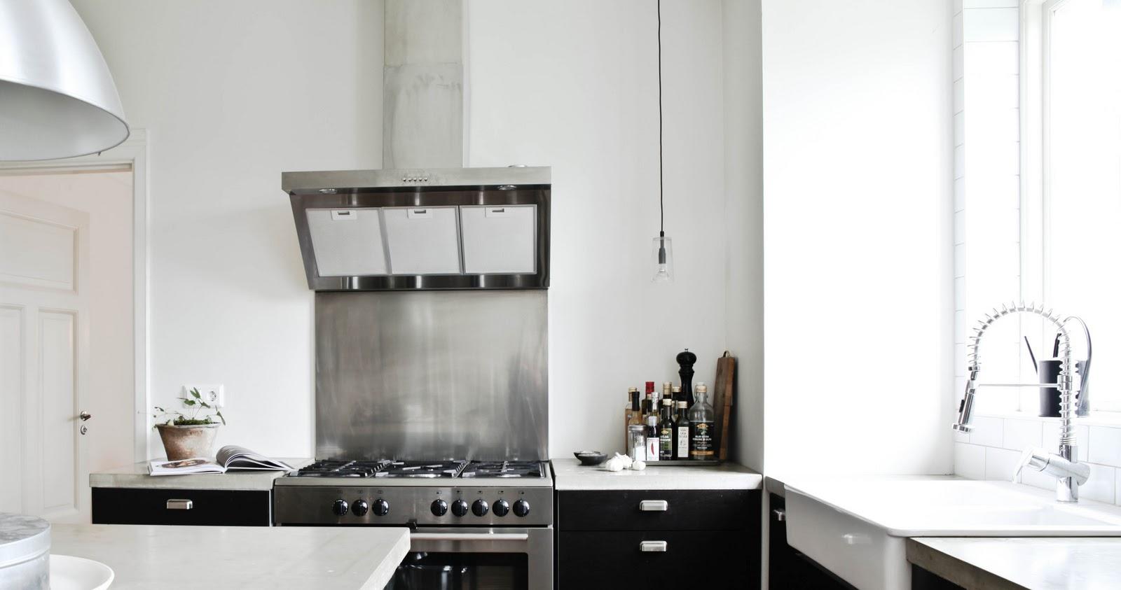 Daniella Witte Kok : kok svarta luckor  Daniella Witte KITCHEN