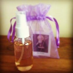PERFUME: exite varios tipos de perfumes como para el AMOR, EXITO, FORTUNA, FELICIDAD, ATRAYENTE $