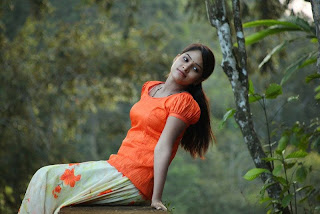 Sanyathara in Pani Vizhum Malar Vanam New Movie Stills 004.jpg