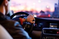 Evitar distracciones al volante - Fénix Directo