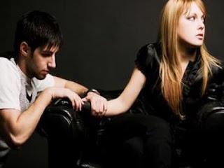Tanda Mantan Kekasih Ingin Kembali Pada Anda